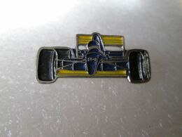 PIN'S   FORMULE 1  MINARDI - Ferrari