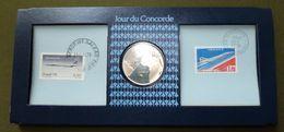 """Medaille Argent Commémorative : """" 1er Vol Concorde Paris-Rio De Janeiro 1976 """" Avec Timbres Et FDC - Autres"""