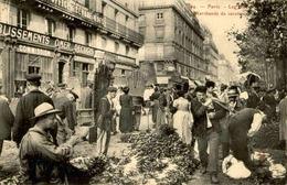 FRANCE  - Paris - Les Halles - Marchands De Carottes - L 66488 - Petits Métiers à Paris