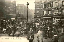 FRANCE  - Paris - Un Coin Des Halles - L 66493 - Petits Métiers à Paris