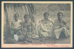Madagascar Types Malgaches Groupe De Makois - Madagascar