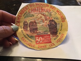 Camembert Du Moulin Des MoinesChatenois  Fabriqué Dans Les Vosges Châtenois - Fromage