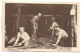 Série Des MINEURS - Abattage Du Charbon Dans Une Veine Moyenne - Mines