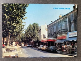 Carqueiranne La Grand Rue/ Oldtimer Autos - Carqueiranne