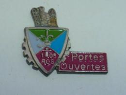 Pin's 10° REGIMENT DE COMMANDEMENT ET DE SOUTIEN, JOURNEE PORTES OUVERTES - Militair & Leger