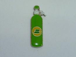 Pin's BOUTEILLE, GAZ ?, SIPHON ?, .. - Beverages