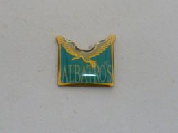 Pin's ALBATROS  02 - Dieren