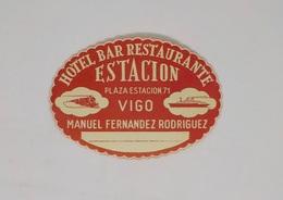 Cx13 CC38) España Spain HOTEL BAR RESTAURANTE ESTACIÓN Vigo Etiquette Label 9,5x12cm - Etiketten Van Hotels