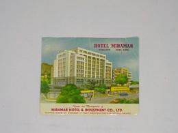 Cx13 CC46) Hong Kong HOTEL MIRAMAR  Kowloon Hongkong Etiquette Label 10,5x13cm Bent And Small Tear - Etiketten Van Hotels