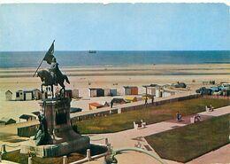 Boulogne Sur Mer  - La Plage Et La Statue Du Generale San Martin  G 667 - Boulogne Sur Mer