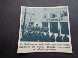 """Origineel Knipsel ( 5931 ) Uit Tijdschrift """" De Stad """"  1937 :   Pompiers  Pompier  Brandweer  Oudenaarde - Alte Papiere"""