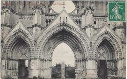 02    Soissons  Ancienne Abbaye De Saint Jean Des Vignes Le Portail - Soissons
