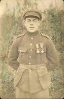 MILITARIA - Carte Postale Photo - Soldat Européen Décoré - L 66822 - Personnages
