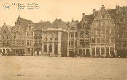 Belgique - Belgium - Flandre Occidentale - Ypres - Yperen - Grand'Place - Hôtel Britannique à Droite - état - Andere