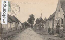 HATTENCOURT : Grande Rue,animée.(coin Faible). - Unclassified