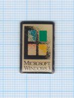 Pin's Informatique Microsoft Windows 3 - Informatique