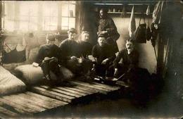 MILITARIA - Carte Postale Photo - Soldats En Chambre - L 66840 - Personnages