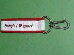 """TC28 / Porte Clefs /  """"   Babybel Sport   """" - Porte-clefs"""