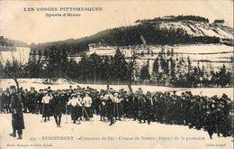 D88  REMIREMONT  Concours De Ski Course De Dames Départ De La Première - Remiremont