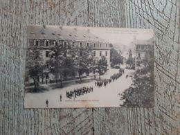 85 La Roche Sur Yon Caserne Travot Retour D'une Revue 1918 - La Roche Sur Yon