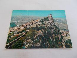 REPUBLICA DI SAN MARINO   LA PRIMA TORRE VUE GENERALE AERIENNE VOYAGEE 1965 NOMBREUX TIMBRES AU DOS - San Marino