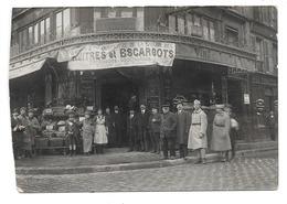 """Paris . - Carte Photo (coupée) .- Café-Restaurant (Les Marronniers?) Angle Rue Rambuteau . - """" Huitres Et Escargots ..."""" - Autres"""