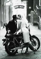Couple - Mariée En Moto 1950s (Groom Motorcycle Reproduction )   Maxi Carte Collection BLACK&WHITE - Motorbikes