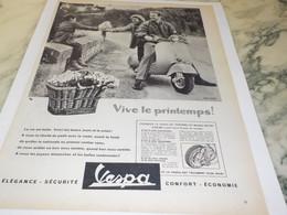 ANCIENNE  PUBLICITE VIVE LE PRINTEMPS  SCOOTER VESPA 1958 - Advertising