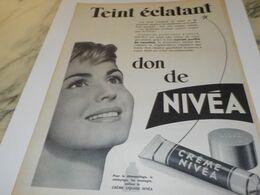 ANCIENNE PUBLICITE TEINT ECLATANT CREME NIVEA 1958 - Advertising