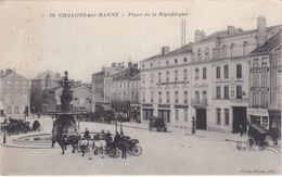 CHALONS-sur-MARNE - Place De La République - Hôtels Et Cafés - Attelages - Châlons-sur-Marne