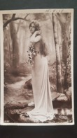 Femme Artiste DOLL En Longue Robe Reutlinger - Mujeres