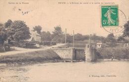 08 - REVIN / L'ECLUSE DU CANAL A LA SORTIE DU SOUTERRAIN - Revin
