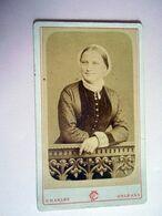 PHOTO CDV  19 EME JEUNE FEMME COSTUME TRADITIONNEL  COIFFE Cabinet CHARLES A ORLEANS - Ancianas (antes De 1900)
