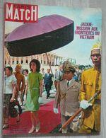PARIS-MATCH N°971 (1967) - Jackie Kennedy Au Vietnam - Gente