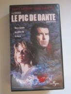 CASSETTE VIDEO VHS LE PIC DE DANTE (Pierce Brosnan-Linda Hamilton) - Actie, Avontuur