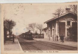 Podensac  33   Le Train Entrant En Gare Du Midi Et Les Quais Animés - Andere Gemeenten