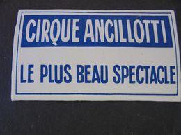 TABACS ,OFFERT PAR LE CIRQUE ANCILLOTTI, PARIS RUE TREVISE  PETIT CARNET DE PAPIER A CIGARETTES - Tobacco (related)