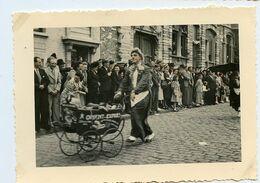 TOURNON 1949 Défilé Carnaval Corso Fête Colorisé Hand Tinted Superbe Snapshot - Persone Anonimi