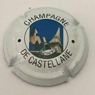 55 - De Castellane, De Castellane En Circulaire, Grandes Lettres, Femme Tour Eiffel (côte 2 Euros) - De Castellane