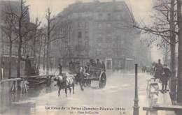 75 - PARIS 15 ° - INONDATIONS De PARIS (Janvier 1910) CRUE SEINE - Place St Charles ( Attelage En 1er Plan ) CPA Sine - De Overstroming Van 1910