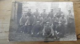 5 Cartes Photo Groupe De Militaires Du 315e Au Chateau De BOMBON …………………..OV-5381 - Altri Comuni