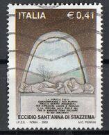"""Italia 2002 Uf. 2675 """"Eccidio Di S. Anna Di Stazzema . Scultura Del Monumento Ossario"""" - Viaggiato Used - Cristianesimo"""