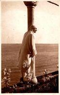 ROYALTY : REGINA MARIA La BALCIC / QUEEN MARIA Of ROMANIA In BALCHIK  - CARTE VRAIE PHOTO / REAL PHOTO ~ 1930 (af363) - Romania