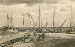 17 FOURAS-LES-BAINS. Les Bateaux De Pêche - Fouras-les-Bains