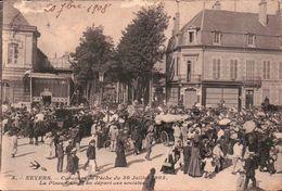 CPA. NEVERS. Concour De Pêche Du 30 Juillet 1905. La Place Carnot Au Départ Des Sociétés. Animée. - Nevers