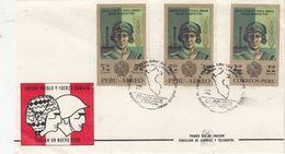 PERU  - FRANCOBOLLI POSTA AEREA BUSTA 1970- - Perú