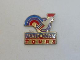 Pin's COQ NATIONAL TOURS - Dieren
