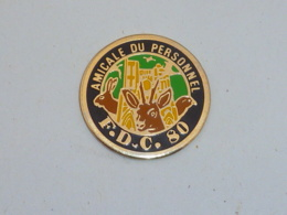 Pin's AMICALE DU PERSONNEL F.D.C. DE LA SOMME - Dieren