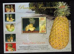 PAPUA NEW GUINEA, 2011 PINEAPPLE FRAGRANCE K10 MINISHEET MNH - Papua New Guinea
