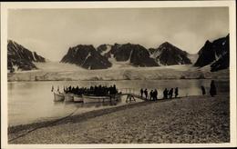 Cp Svalbard Spitzbergen Norwegen, Magdalenenbay, Ausbooten Am Graeberplatz - Norwegen